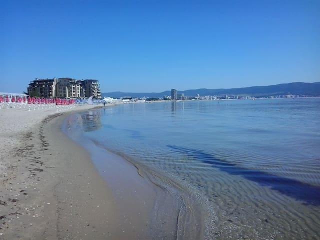 Новая студия рядом с пляжем КАКАО БИЧ - Burgas