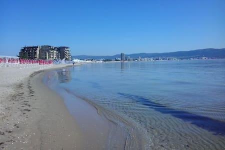 Новая студия рядом с пляжем КАКАО БИЧ - Burgas - Servicelägenhet