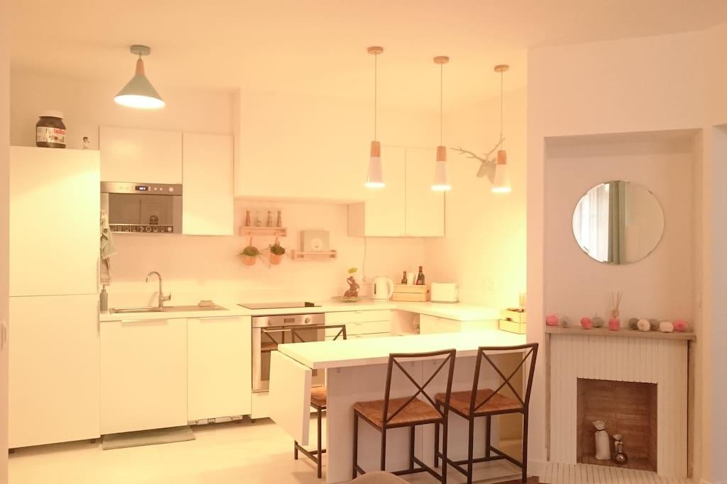 La cuisine ouverte sur le salon - Table avec rallonge