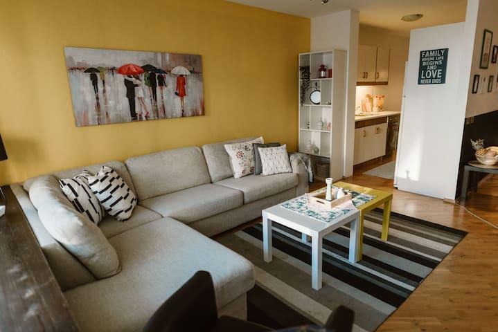 Cozy and modern apartment close to city center
