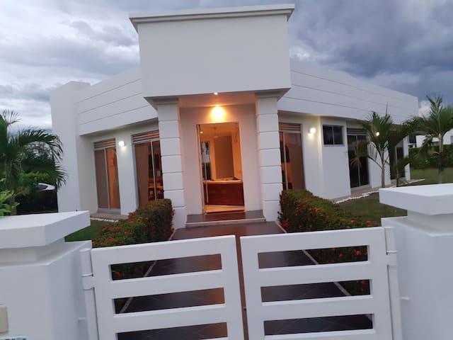Maravillosa casa quinta con piscina privada!!