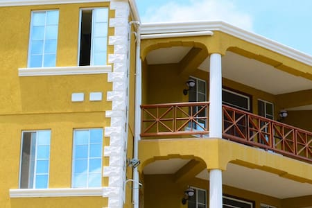 Sargasso Apartments - True Blue, St. George