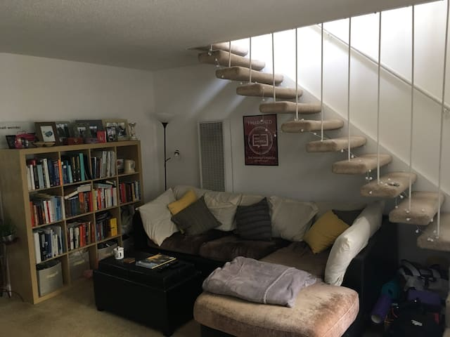 Roomy Two Floor Apt just TWO blocks from Beach!