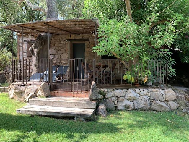 Jolie maison de charme en pierre pour 2 pers