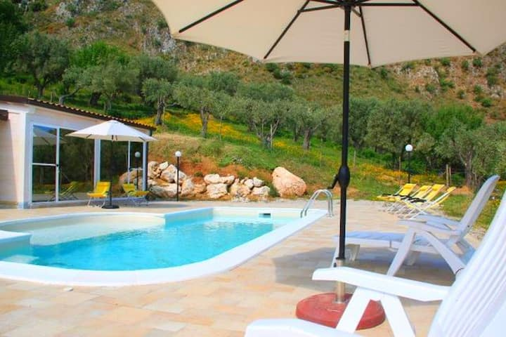 Welcoming Holiday Home in San Fratello with Private Pool