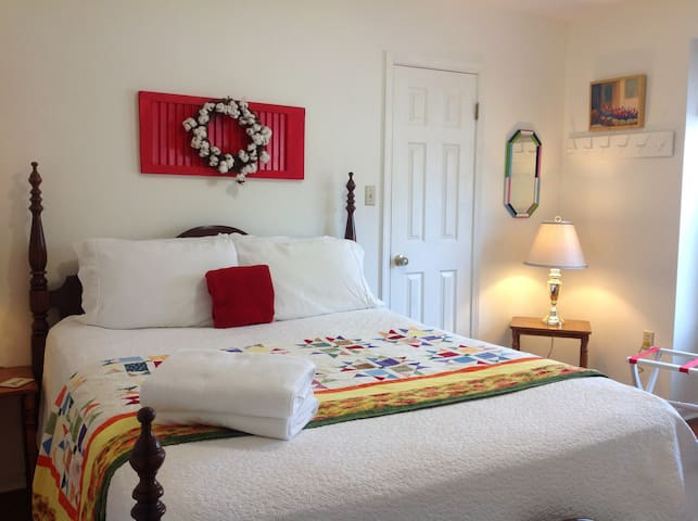 **Restful Stay in 3 bedroom vacation home**
