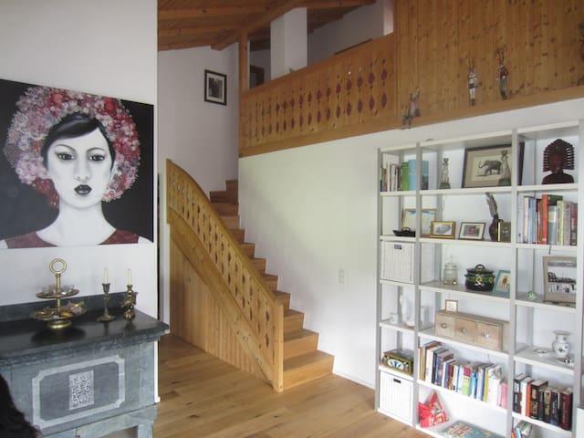 Maisonette-Dachwohnung direkt an der Skipiste - Disentis/Mustér - Apartament