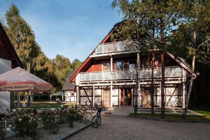 Ośrodek Łubu Dubu: 4-osobowy apartament z tarasem - Strzelce Krajeńskie - ที่พักพร้อมอาหารเช้า