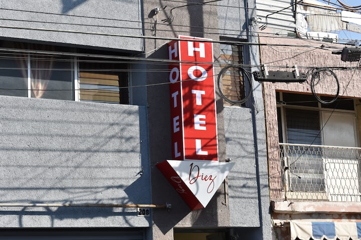 HOTEL DIEZ CELAYA, EN EL CORAZÓN DE CELAYA