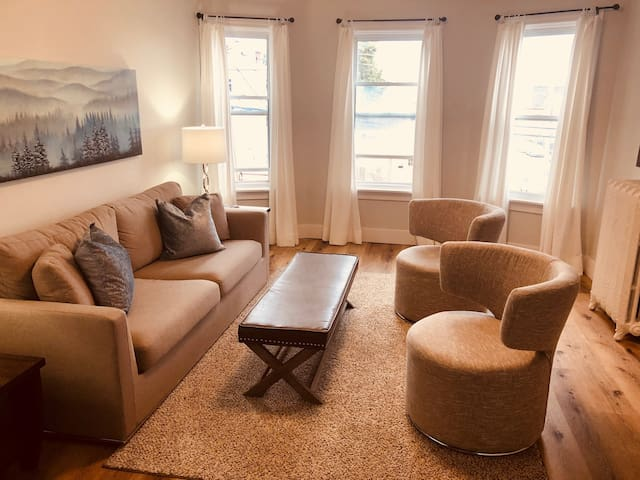 The Apartment Suites on Hillsborough 2+1 Bdrm