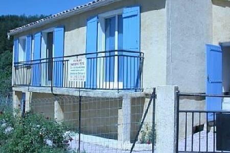 villa 75 m2 tout confort a la mure argens 04170 - Saint-André-les-Alpes