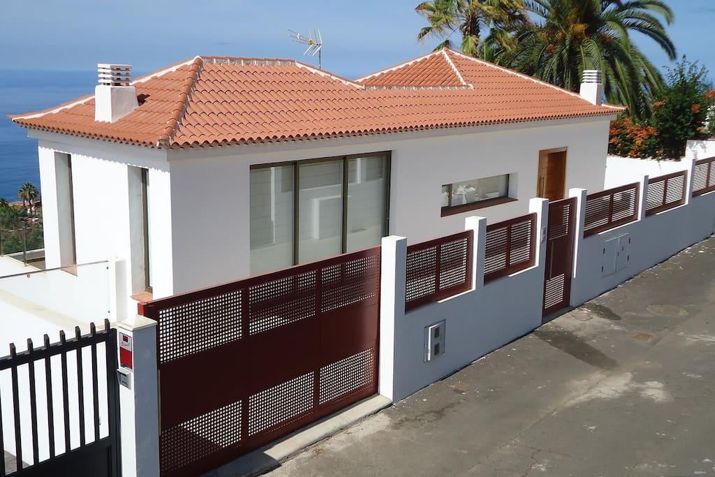 BUENAVISTA HOUSE