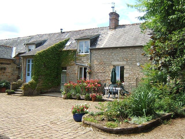 Camélia Bed & Breakfast - Juvigny-Sous-Andaine - Bed & Breakfast