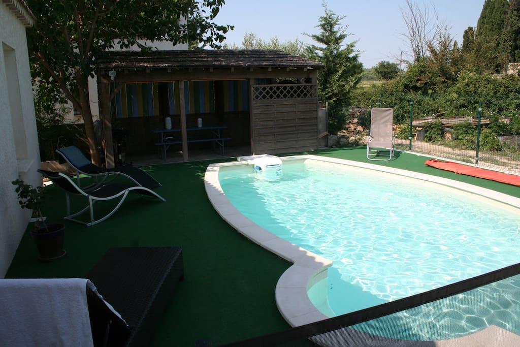 Maison tout confort avec piscine houses for rent in for Piscine voves