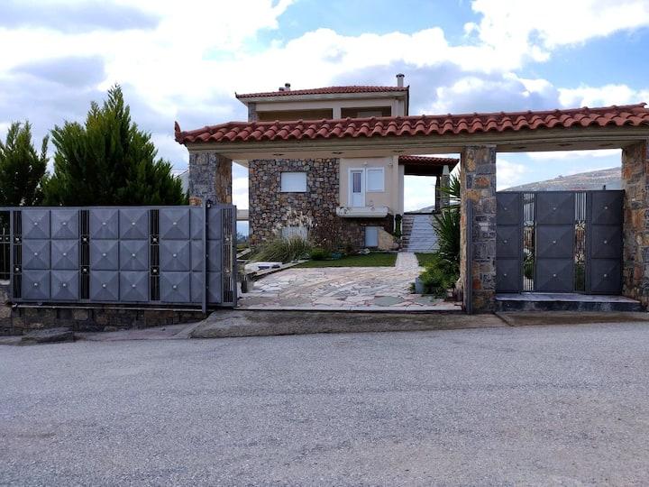 Dimitris Vaso's Villa with Sea and Mountain View!