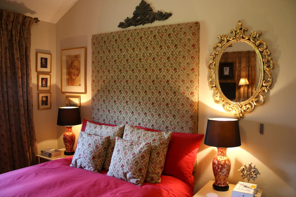 Your first floor bedroom with a four foot wide bed.Egyptian cotton sheets.Feather & Down duvet