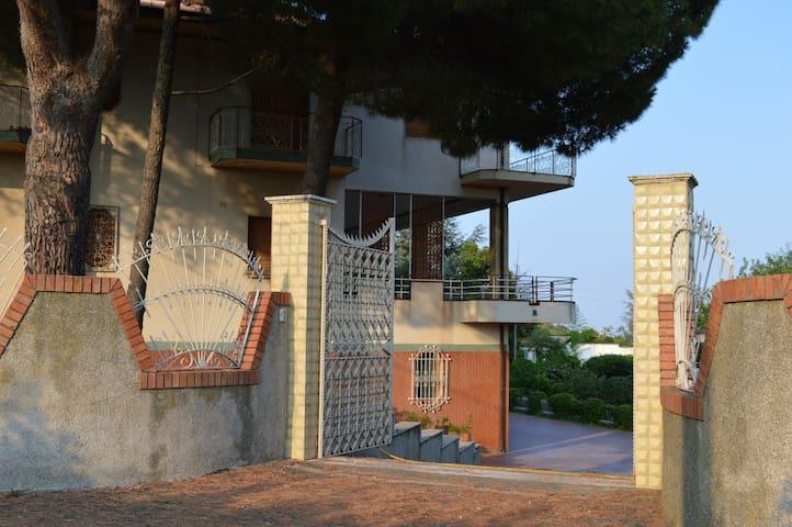 Villa Carrubbazza - Carrubazza Motta, S. Gregorio di Catania - Villa