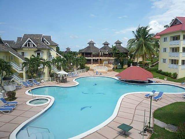 Mystic Ridge 5 star Resort - Saint Ann Parish - Apartment