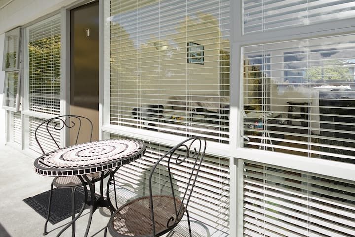 Elevated Sun Trap One Bedroom Apartment Herne Bay
