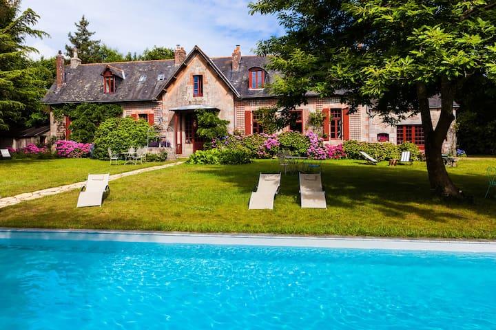 Chambres privée MJ dans Château