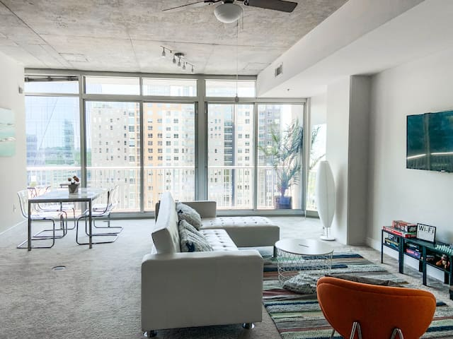 Chic Luxury Penthouse in Midtown Atlanta