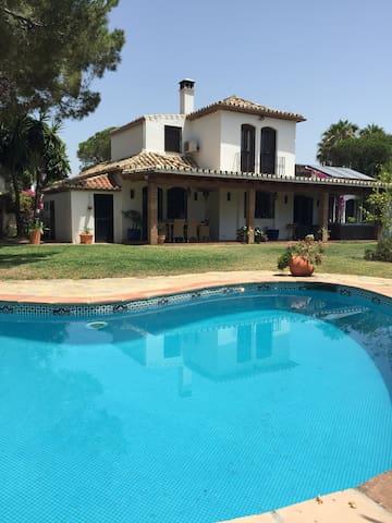 Marbella area lovely villa by beach (VFTMA01959) - San Pedro Alcántara