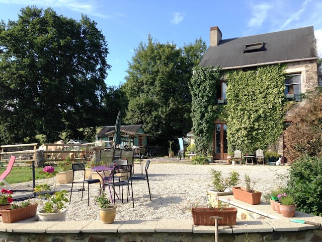 Le Gite du Chat Blanc -Rural Holiday Cottage