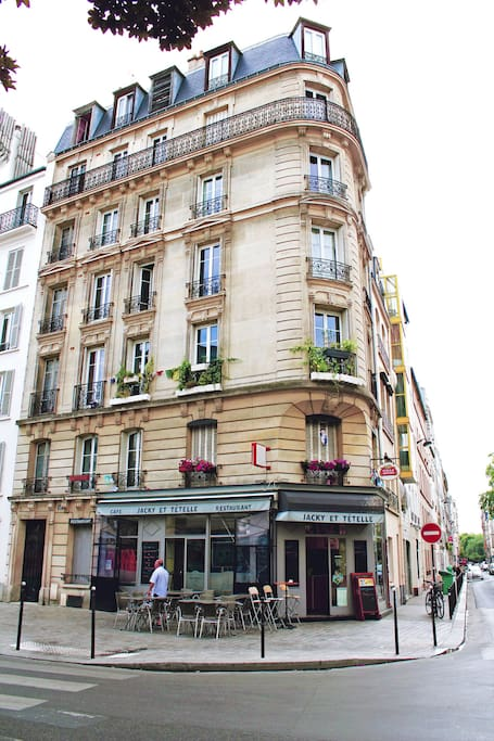 Beautiful traditional Haussmannian building.