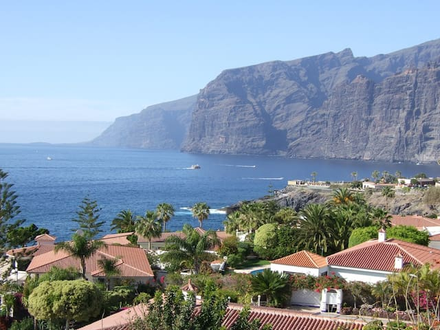 TENERIFE COSTA ADEJE 5 BEDROOMS PRIVATE GOLF VILLA - Adeje - House