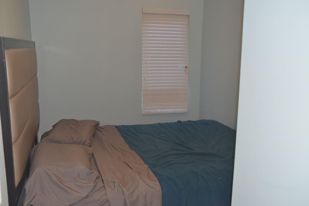 bedroom...queen bed