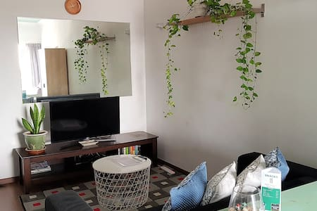 Central Lush Studio with Netflix & Fast Wifi