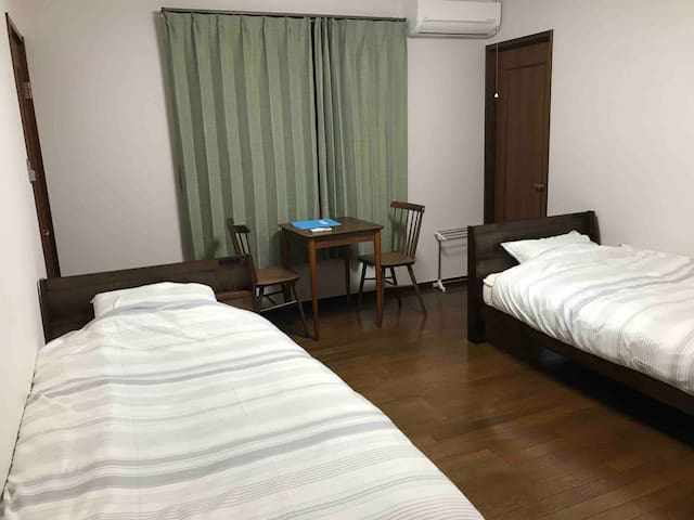 More & More : Western-style room,for 1 to 2 people