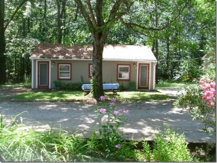 Affordable Sleeper Cabin by Kentucky Lake #36