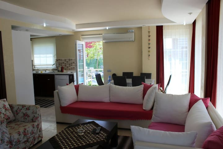 3 floors, luxury with swimming pool - Antalya - Villa
