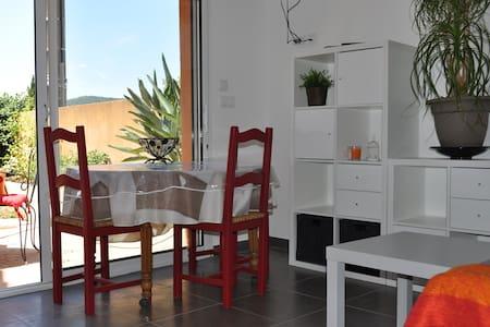 T2 climatisé jardinet - 4 couchages - La Londe-les-Maures - Talo