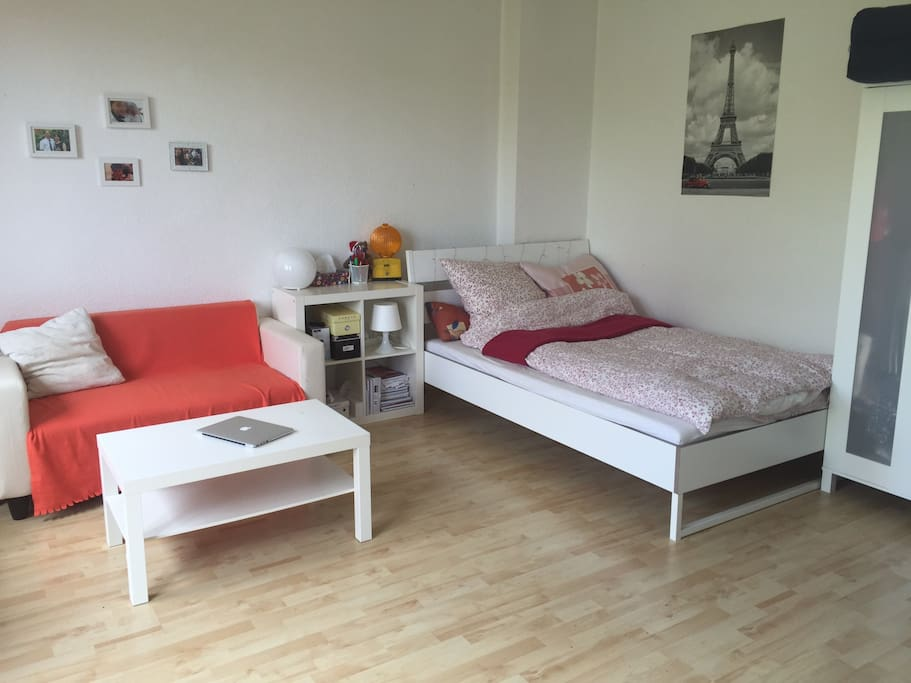 sunny central flat near zoo appartements louer berlin berlin allemagne. Black Bedroom Furniture Sets. Home Design Ideas