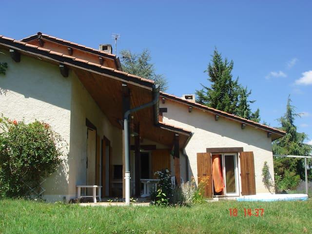 Villa 170m2 très calmeavec piscine - Saint-Antoine-l'Abbaye
