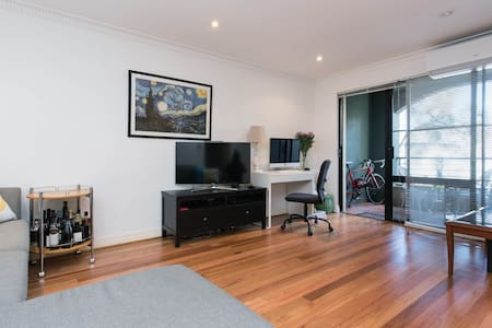 Stylish Darlinghurst Apartment
