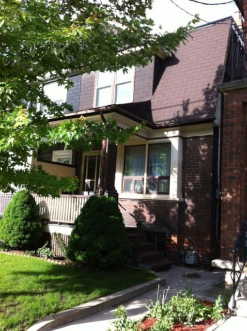 3 Bedroom Renovated Basement Apartments For Rent In Toronto Ontario Canada