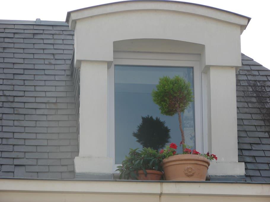 studio loft le paul emile victor apartments for rent. Black Bedroom Furniture Sets. Home Design Ideas