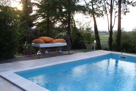 Fittasi porzione di Villa D'Epoca - Marsciano