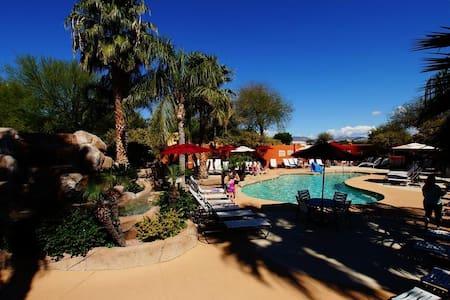 Beautifully decorated arizona home. - Mesa - Dom