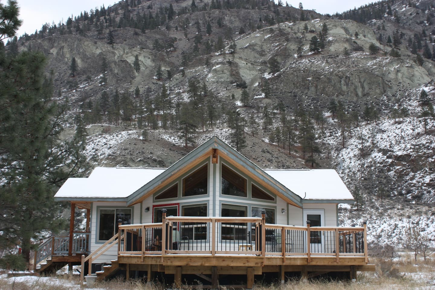 The river facing deck and floor to ceiling living room windows.  Complete privacy!!!