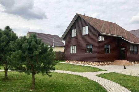 Комфортабельный дом с баней на берегу озера