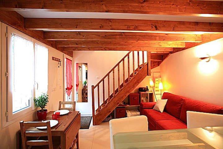 Maisonnette duplex avec terrasse - Porte de Paris