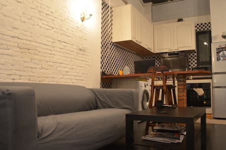 French Concession Loft 1BR 老上海法租界洋房