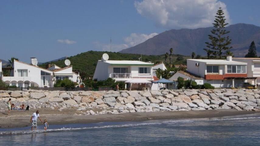 Beachfront Villa-First Line House - Costa del Sol - Estepona - Casa