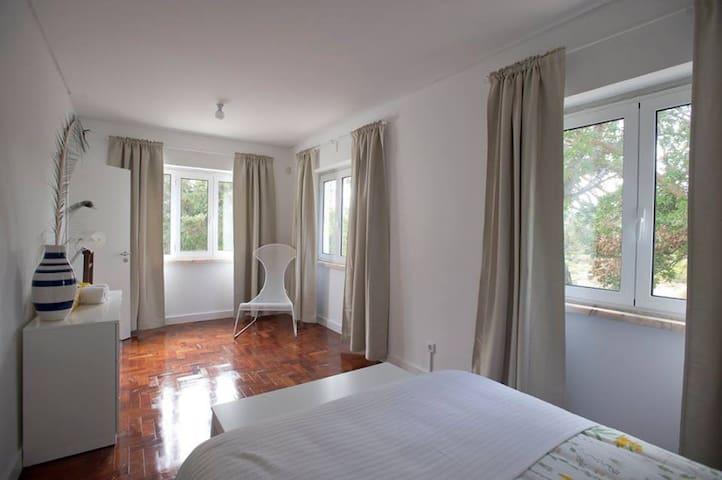 Casa da Água Double Room nº2 - Rio de Mouro - Oda + Kahvaltı