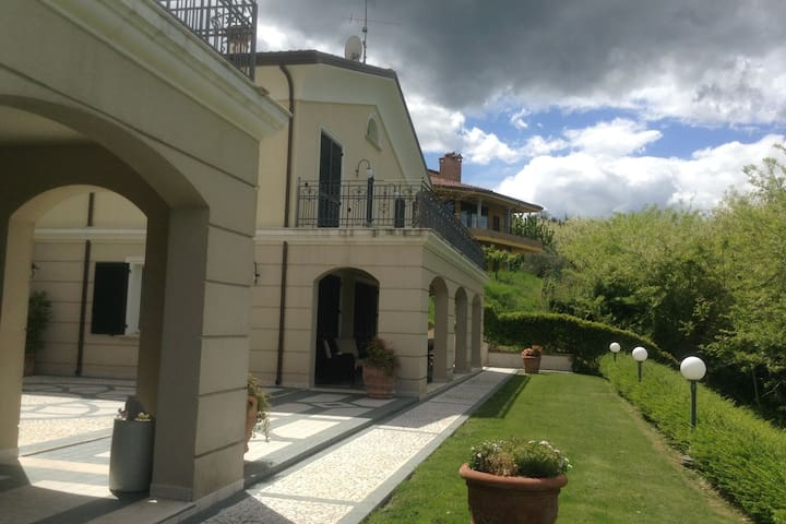 Spacious villa with garden and panoramic views in the green hinterland of Rimini