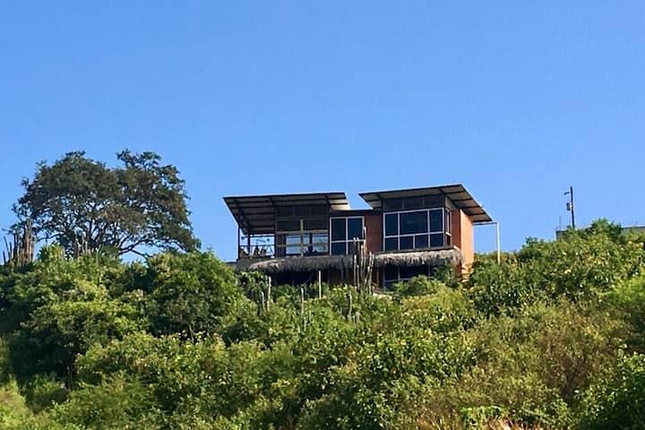 Casa con hermosa Vista al Mar, a 5 km de Montanita